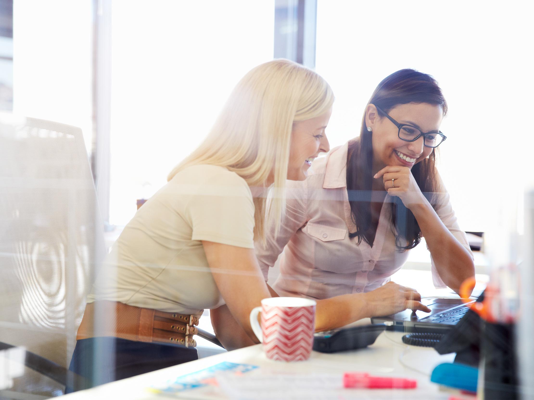 Få 8 tips til at kombinere effektivitet med trivsel i arbejdslivet